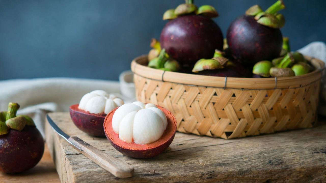 Mangostan Meyvesinin 11 Sağlık Faydası Nedir?