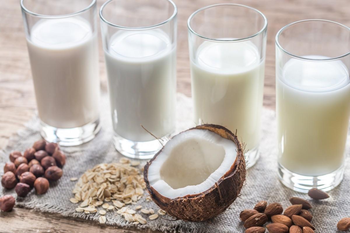 Sütlerin Karşılaştırılması: Badem, Süt, Soya, Pirinç ve Hindistan Cevizi