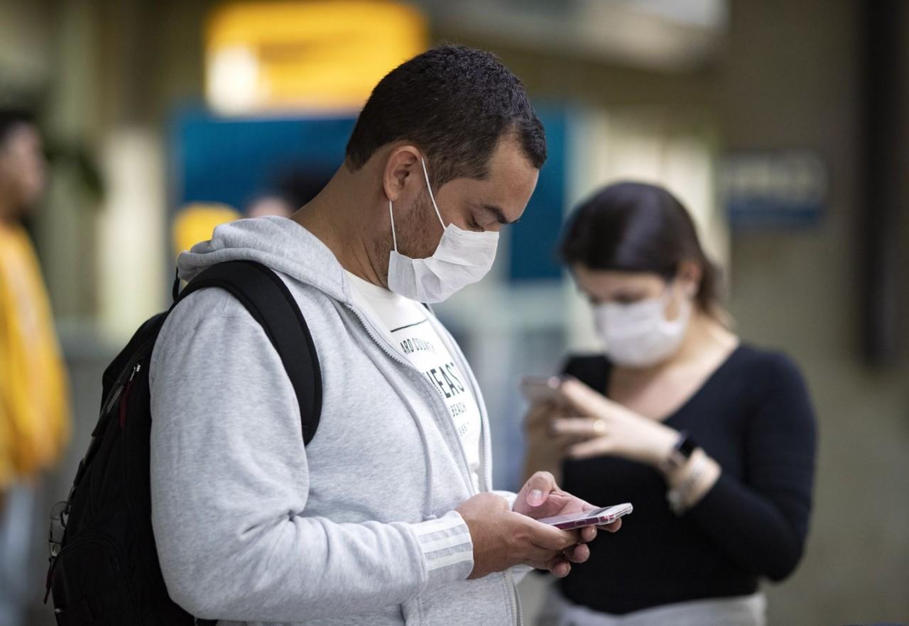 Bir Epidemiyolog Coronavirüs, Karantinalar ve Yüz Maskeleri ile İlgili Soruları Yanıtlıyor