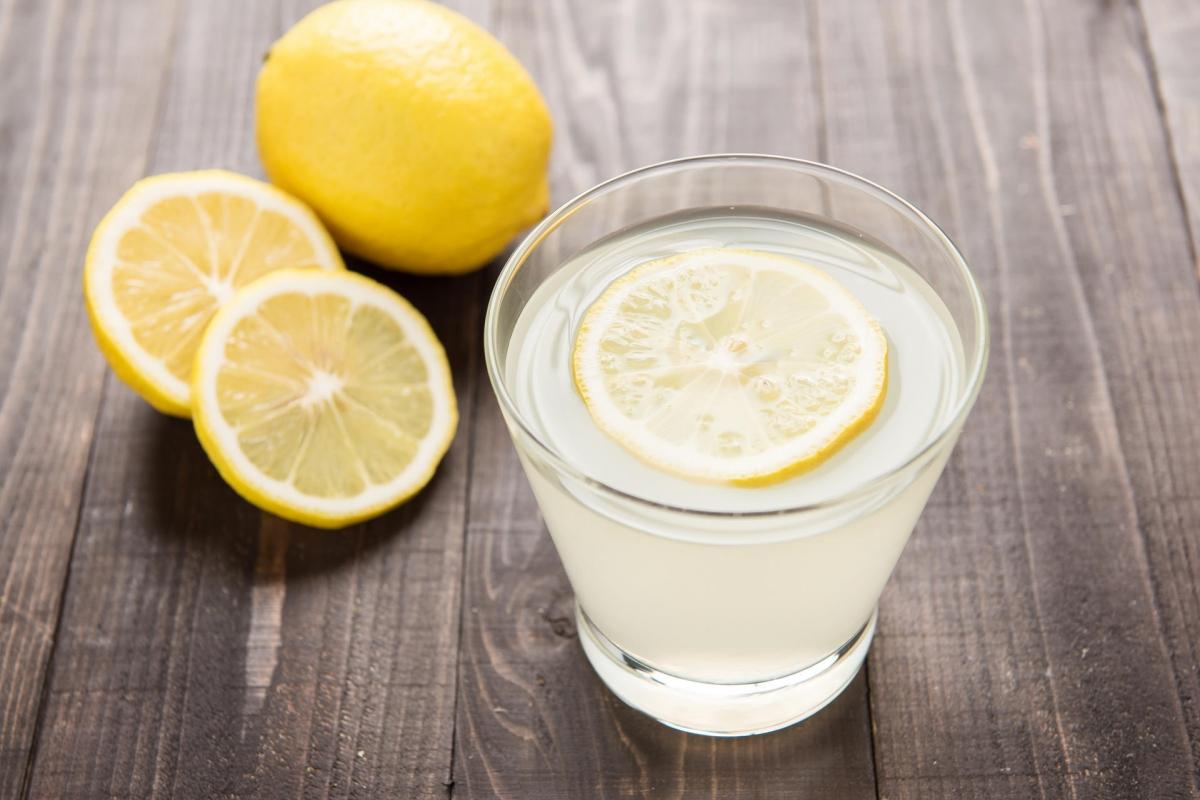 Limonlu Suyun Faydaları Limonlu Su Zayıflatır Mı?